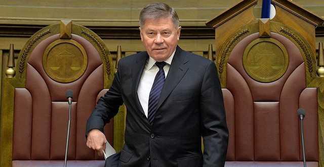 """Лебедев """"выбьет"""" Егорову клином?"""
