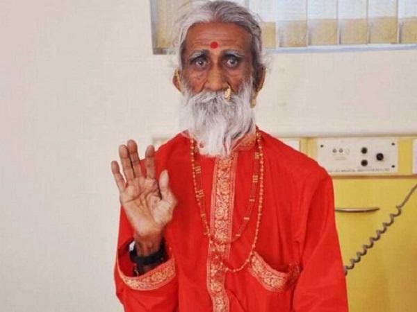 """Жил без воды и еды почти 80 лет: в Индии умер йог, заявлявший, что открыл """"эликсир жизни"""""""