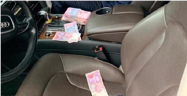 Экс-чиновник Полтавской ОГА задержан при получении 50 тыс. грн взятки