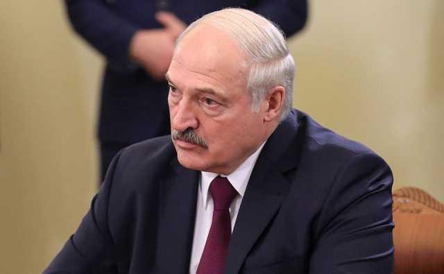 """Лукашенко накануне выборов предупредил, что """"майданов в Беларуси не будет"""""""