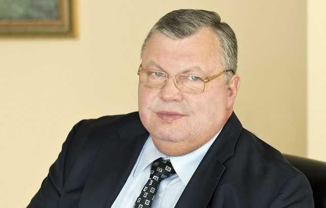 Великий обуватель Герман Лиллевяли: мошенника арестуют заочно