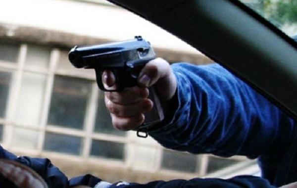 В Эстонии медбрат устроил стрельбу на автозаправке, убив двоих и тяжело ранив троих человек