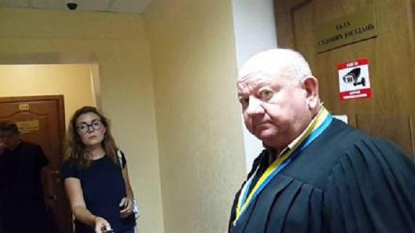 Коррупционер-беспредельщик в судейской мантии удручен вниманием прокуратуры