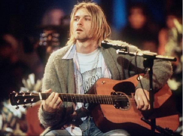 Гитара Курта Кобейна продана на аукционе за рекордные шесть миллионов долларов