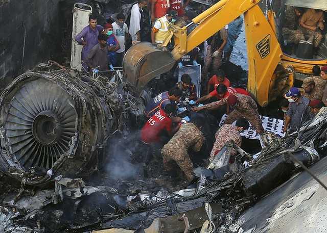 Пилоты разбившегося в Пакистане самолета во время полета отвлекались на обсуждение пандемии COVID-19