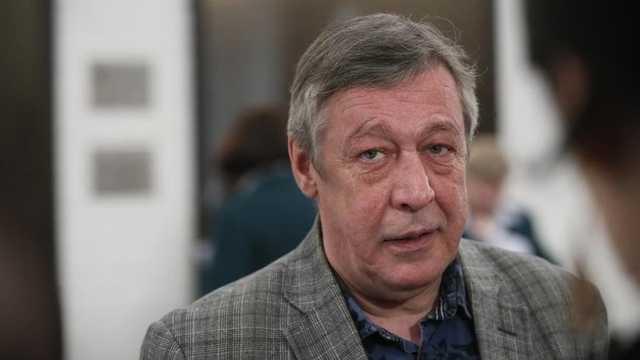 Михаил Ефремов предлагал полиции взятку после ДТП: все подробности