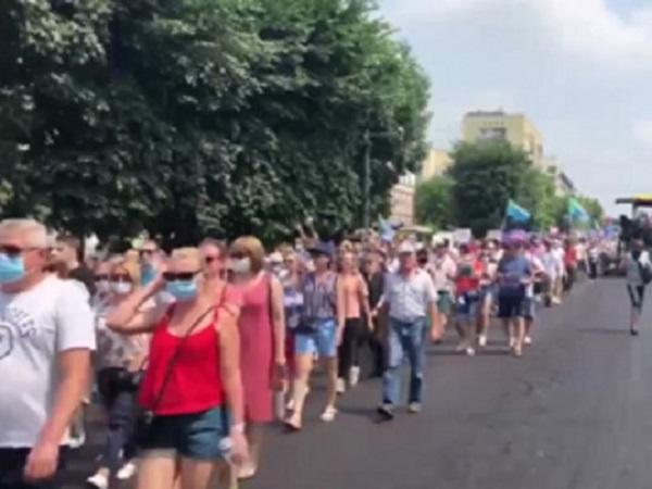 """Антипутинский """"бунт"""" на Дальнем Востоке: на улицы вышли десятки тысяч протестующих"""