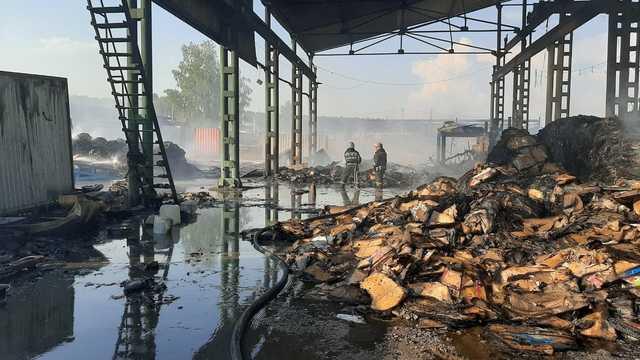 Крупный пожар в Свердловской области связали с транспортировщиками опасных отходов