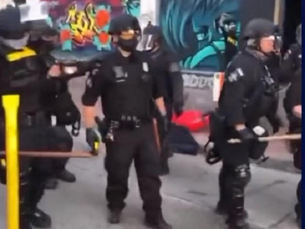 В Сиэтле 60 полицейских ранены в ходе беспорядков, которые правоохранители назвали бунтом