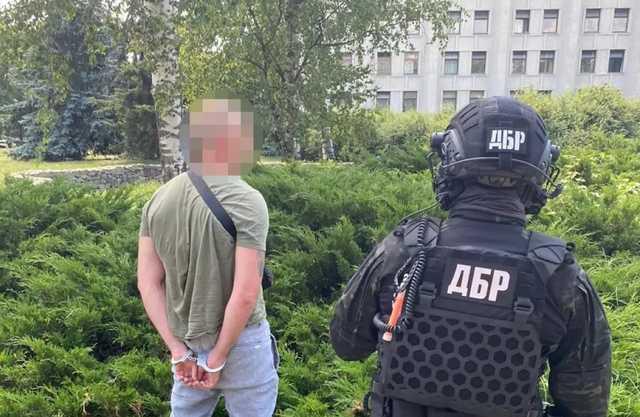 $80 тыс. за якобы за влияние на руководство ГБР и Нацполиции - задержан следователь бюро и полицейский