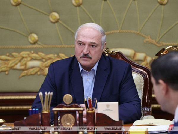 """""""Я смотрю, наши старшие братья приумолкли"""": Лукашенко послушал доклад о задержанных """"вагнеровцах"""""""