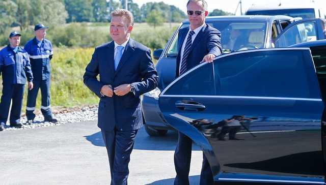 «Газпром» снова закупает мерседесы