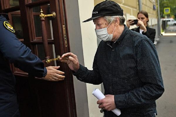 Ефремов после смертельного ДТП жалел свою машину и оставил без помощи умирающего