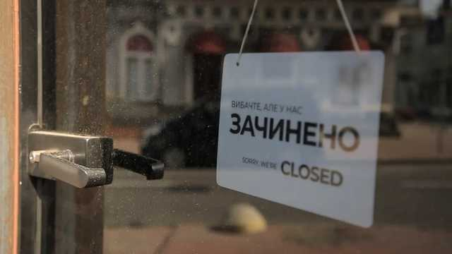 Украинцы намеренно не оплачивают коммуналку и банкротят отрасль: у кого будут отбирать квартиры и 50% зарплаты