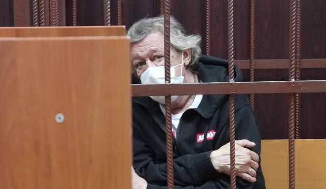 Полмиллиона за место в первом ряду: на суд Ефремова начали продавать билеты
