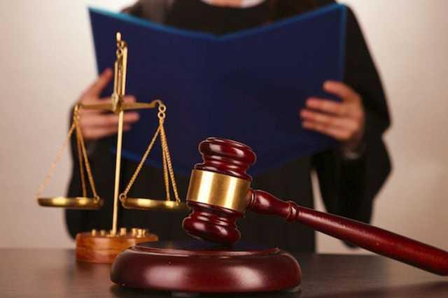 Суд решил, что частный исполнитель может описать квартиру даже при закрытых дверях
