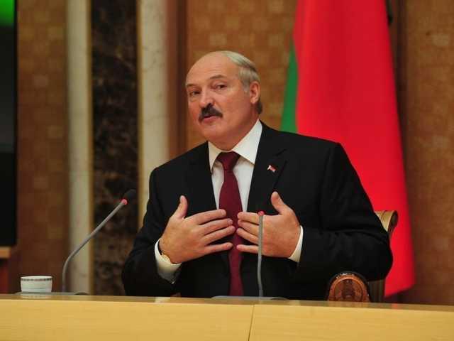 """Врачи и модели """"гарема"""" Лукашенко: что за женщины окружают президента Белоруссии"""