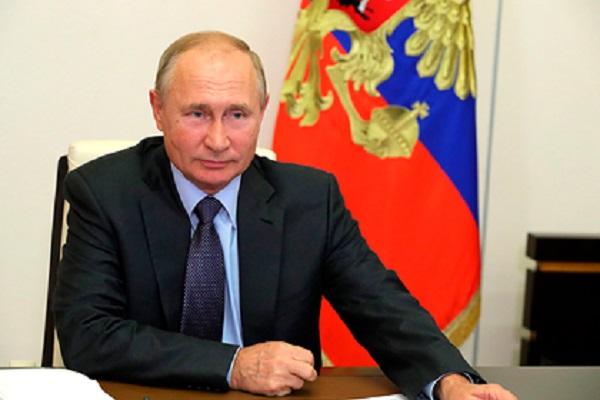 Путин поддержал идею изменить конституцию Белоруссии