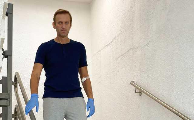 """""""Сварил """"Новичок"""" на кухне"""": Навальный отреагировал на слова Путина о своем отравлении"""