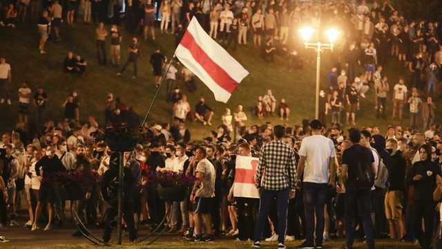 В центре Минска протестующие дали отпор силовикам