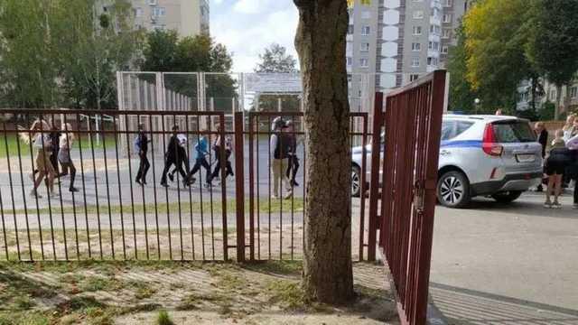 Белорусских школьников учили разгонять протесты