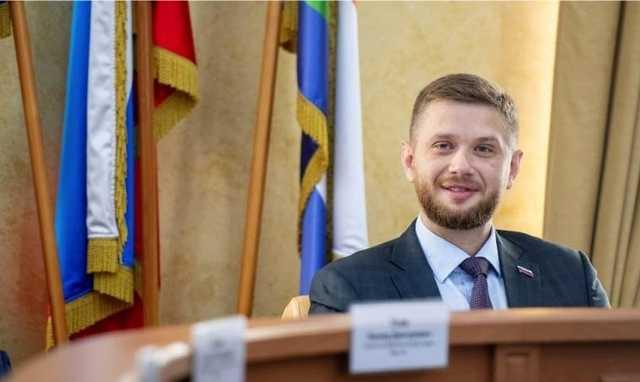 Евгений Стекачев крышует бизнес ларечников?
