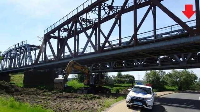 Приехавший в Киевскую область без родителей подросток получил ожоги после прогулки по ж/д мосту