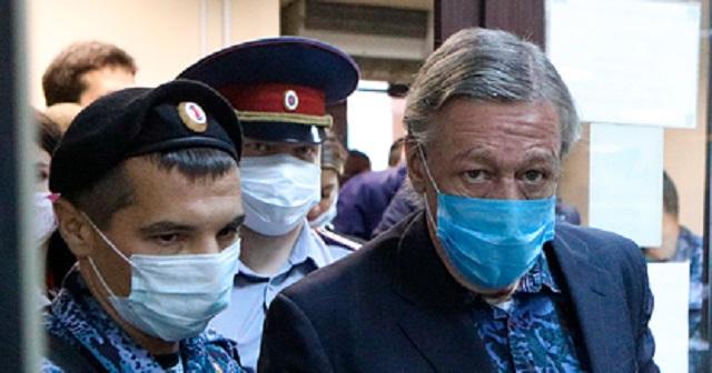 Ефремов возместил ущерб сыну погибшего в ДТП Захарова