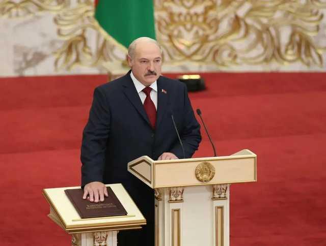 Лукашенко заявил о готовности отдать часть своих полномочий