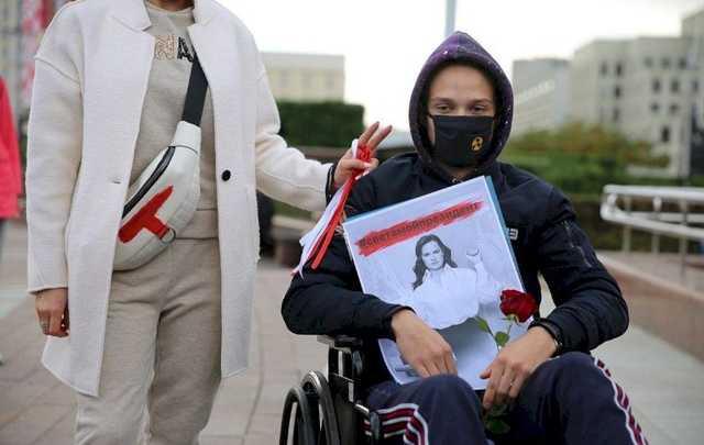 В Минске на марш протеста вышли инвалиды-колясочники: начались задержания