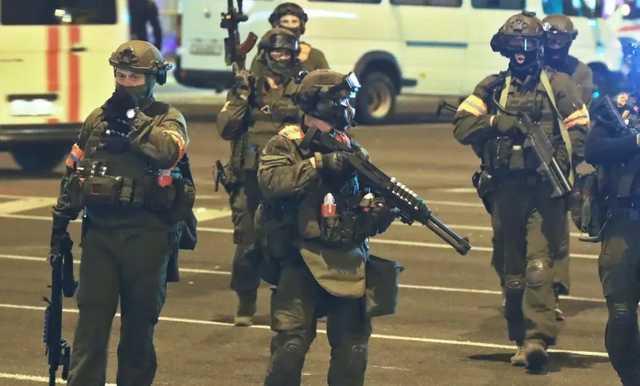 Каратели Лукашенко пообещали «гуманно» расстреливать протестующих сограждан