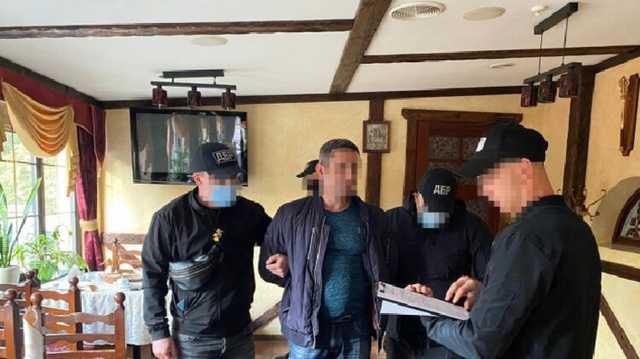 В Харькове сотрудники ГБР требовали 20 тысяч долларов взятки у своего же коллеги