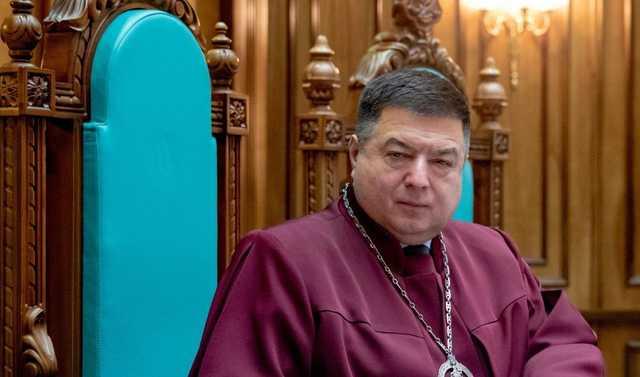 Особняк главы КСУ с водопадом и квадроциклом под Киевом показали с высоты