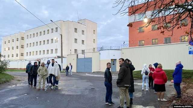 Вести из белорусских изоляторов: Вся страна в тюрьме