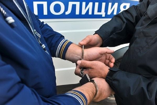 Россиянин оставил пасынка с другом и нашел его зарезанным