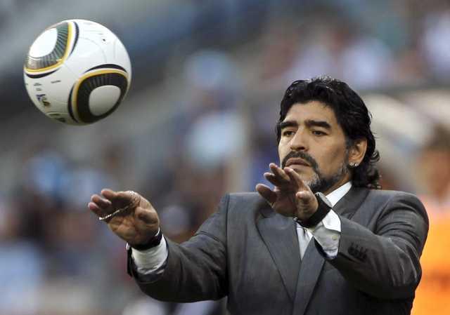 Прощание с Марадоной: поклонники футболиста устроили драку с полицией
