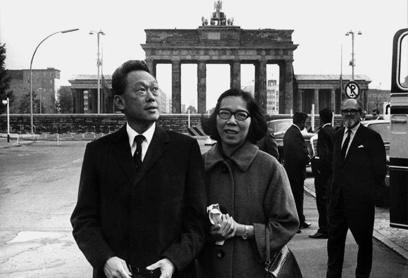 Ли Куан Ю вместе с супругой в Берлине